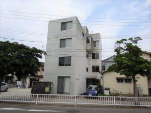 【アパートメント那の川】コンクリートキューブ