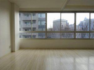 【荒木ビル】窓を愛でる
