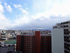 【レキシントン・スクエア白金】空を眺める