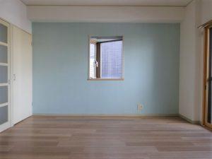 【フィネス21】三角窓とスカイブルー