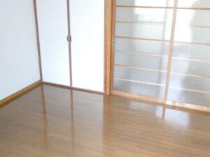 《あおいコーポ》福岡市箱崎線千代県庁口駅 徒歩3分